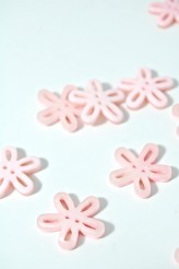 40-50761 36L Pale Pink Loopy Flower Button x 1  LIMITED STOCK