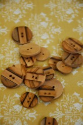 40-5533 Wooden Button X 1