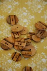 40-5533 Wooden Button X 1