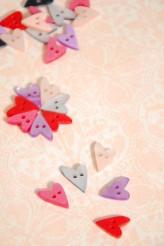 40-51793 24L Wonky Heart Button