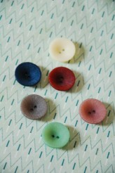 56-L2560 Lasered  Deep Dish Coloured Buttons x 1