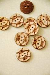 63-01561 Coconut Sailor Knot Button