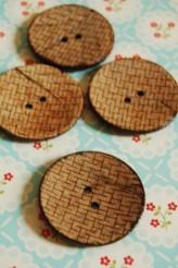 63-39751 64L Coconut Button
