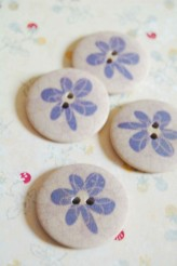 63-A0221 Printed Flower Button