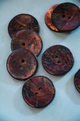 63-A7441 48L Printed Coconut Button x 1