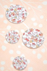 63-A7731 Floral Printed & Sprayed Button x 1