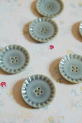63-S2342 36L Imitation Ceramic Button Green