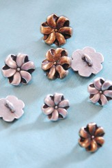 63-Z3962 Metal Flower Buttons X1