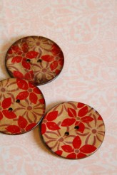 Red Floral Coconut Button x 1