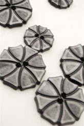 70-1572S Grey Art Deco Flower Button x 1