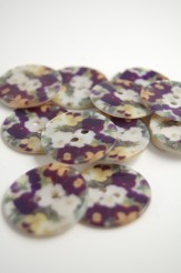 70-26971 40L Printed River Pearl Button x 1
