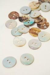 24L Agoya Shell Button Natural