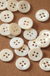 70-1555X 24L White River Pearl Button