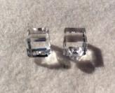 16-1044 Cube Clear Button x 100