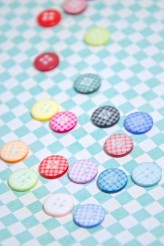 Little Gingham Buttons x 1