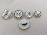 16-0507 White Pearlised 'Gem' Shank Button