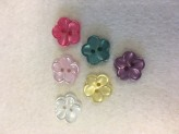102-46013    28L Pearl Flower Button x 1